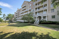 Photo of 101 SHEARWATER CT EAST, Unit 38, Jersey City, NJ 07305 (MLS # 180014215)